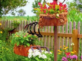 Цветы на вилах и граблях