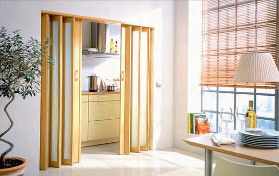 Складные двери рамочной конструкции хороши для широких проемов
